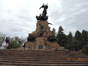 MONUMENTO NO CERRO DE LÁ GLORIA